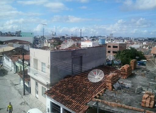 PRIMA SORPRESA A SALVADOR, C'E' CESAR NON IL MARE