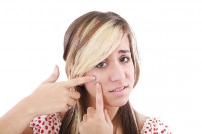10 IDEE RISPARMIO GRAZIE AL DENTIFRICIO: PULISCI MURO, GIOIELLI E…BRUFOLI
