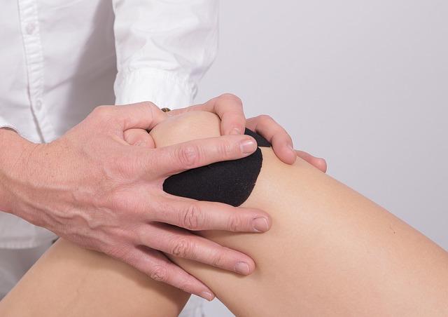 protesi al ginocchio di ceramica